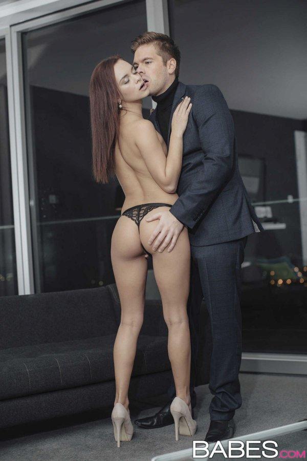 порно фото брюнетки украинки