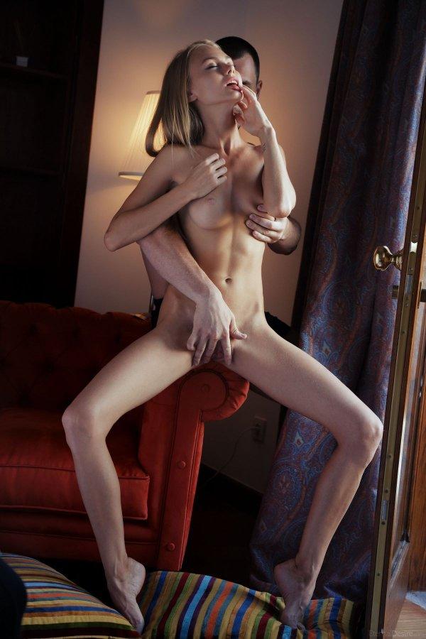 Девушки худенькие ласкают себя порно полезная