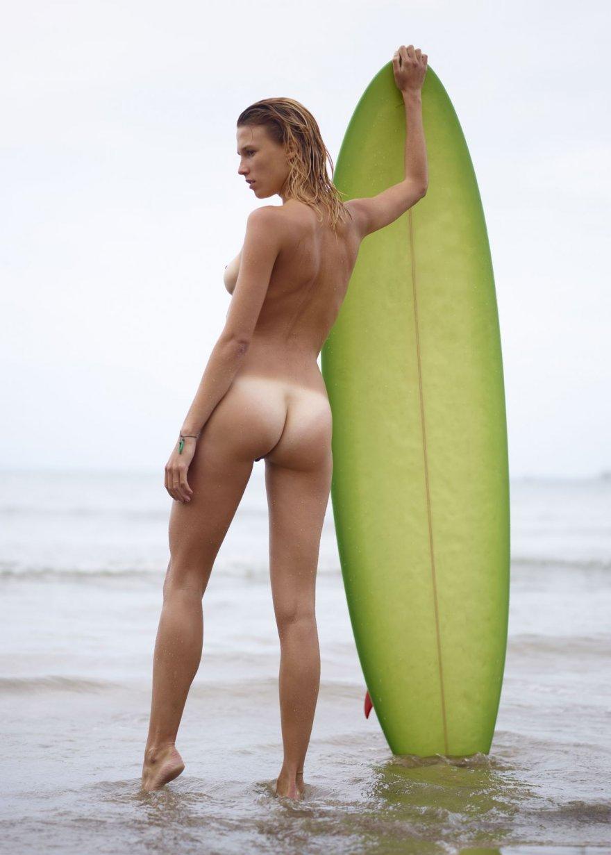 Nude girls surfing pics