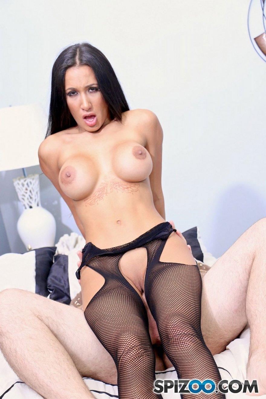 Фото секса женщины в колготках в сетку