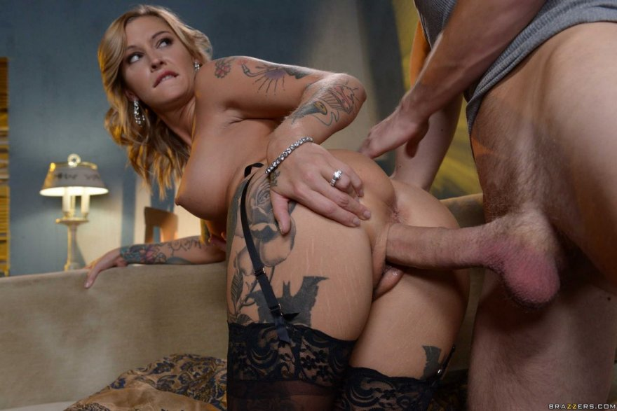Порно фото женщины с татуировками - секс блондинки