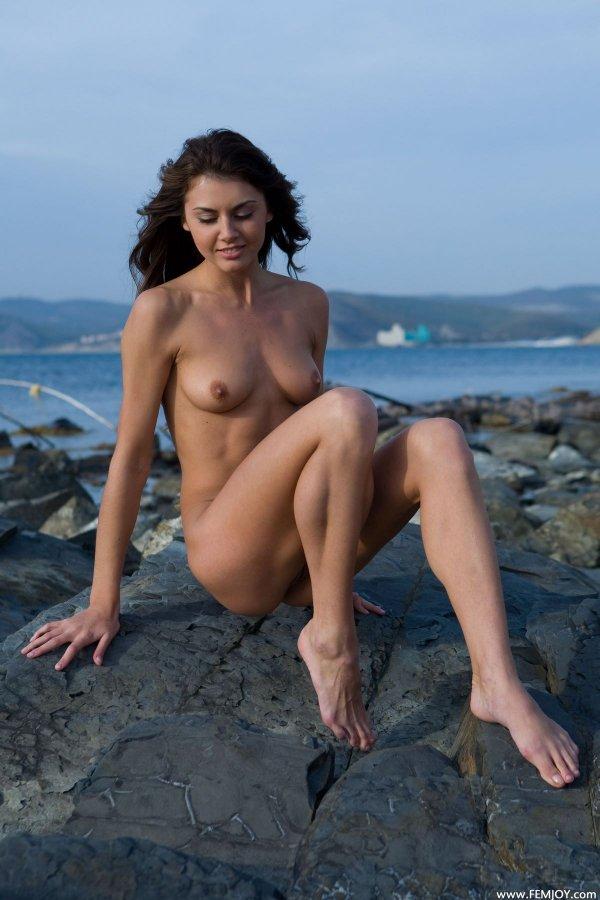 фото девушек голых высокая