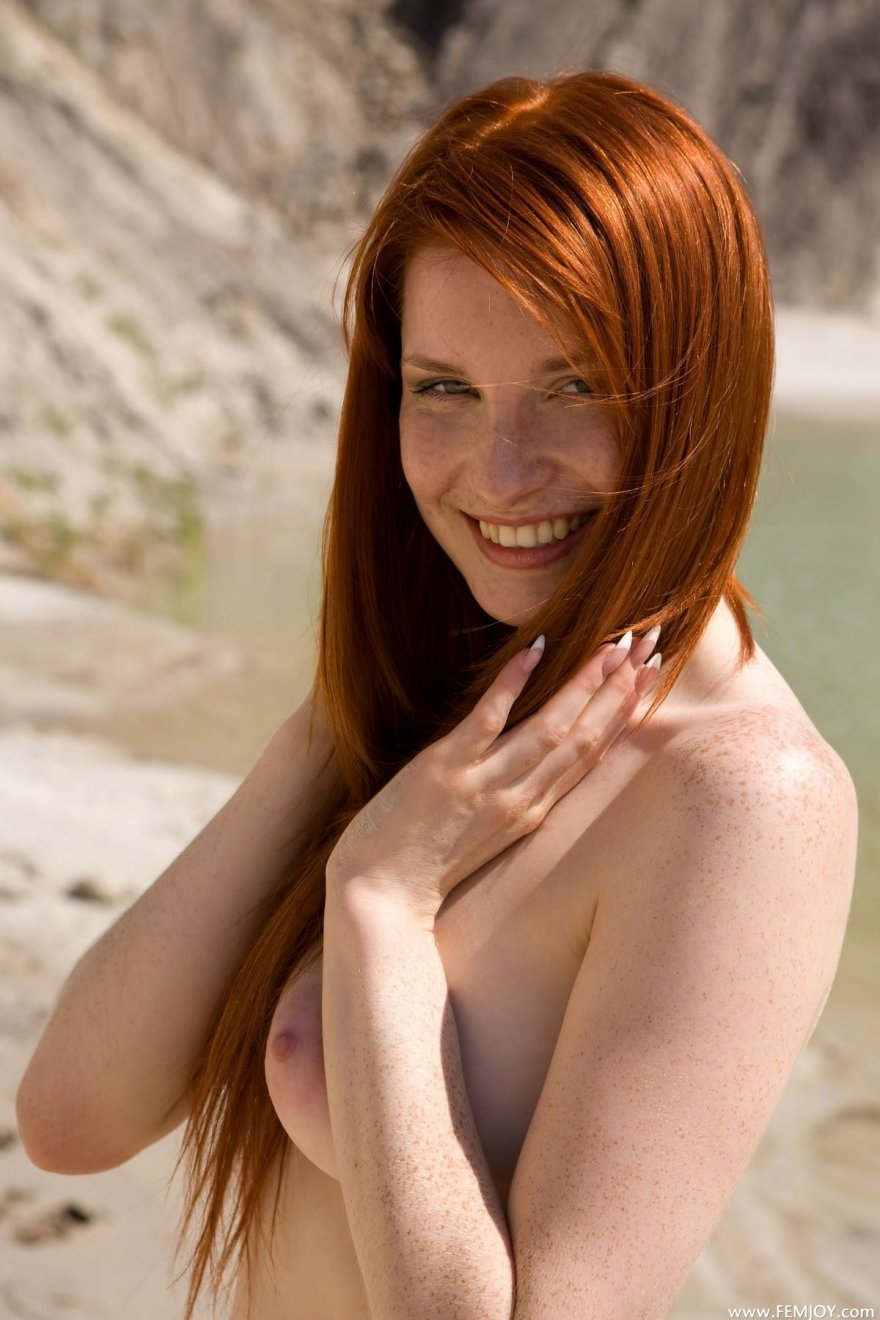 Роковые секс фото рыженькой девушки