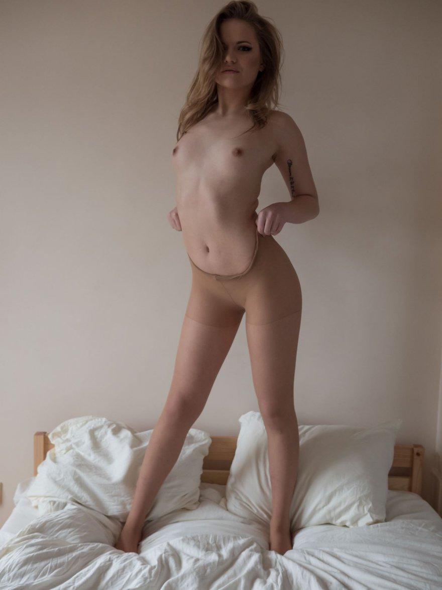 Тело девушки голые