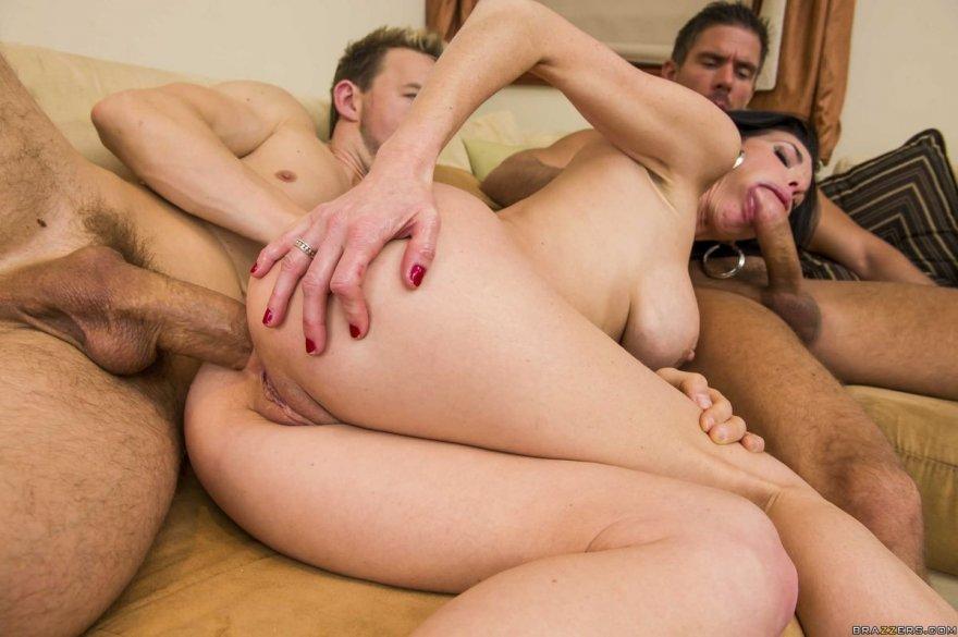 Порно онлайн бабы ебут мужиков в жопу 20829 фотография