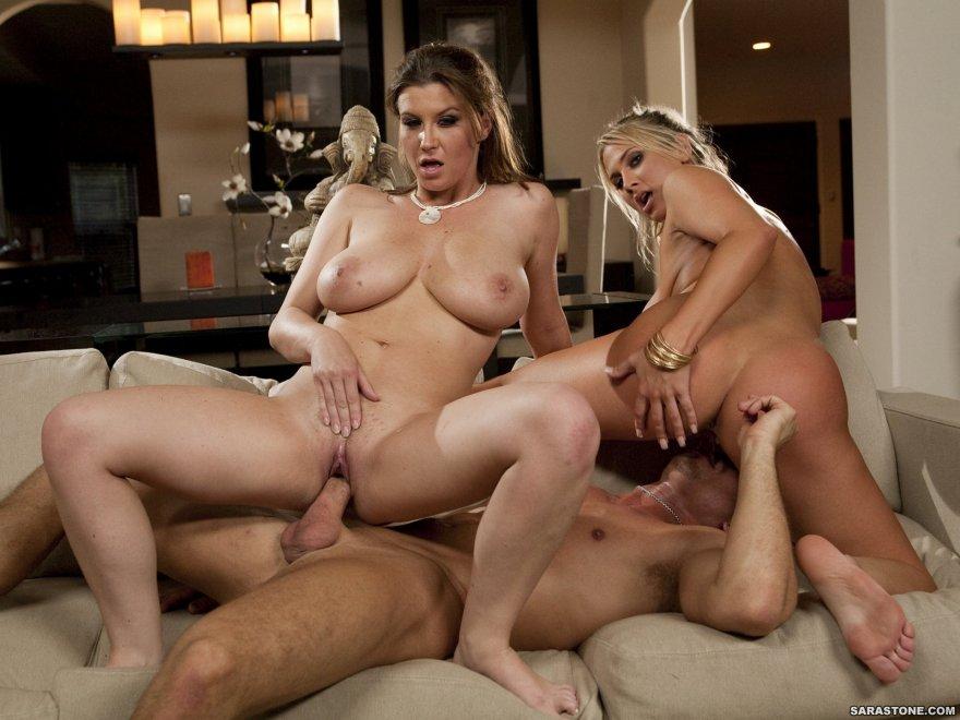 Порно с тетями с двумя