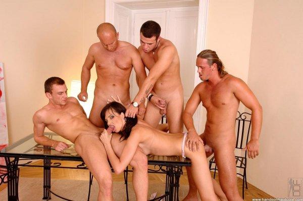 порно 4 парней