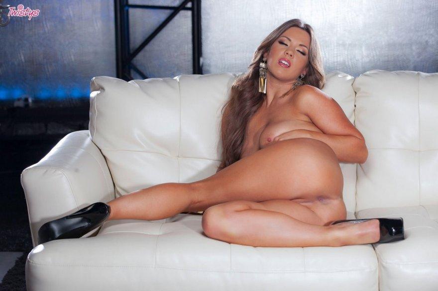 Развратная Секретарша Показала Писю На Рабочем Месте Порно И Секс Фото Под Юбками