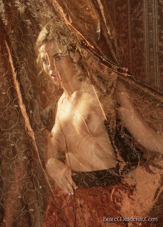 erotika-v-istoricheskih-kostyumah