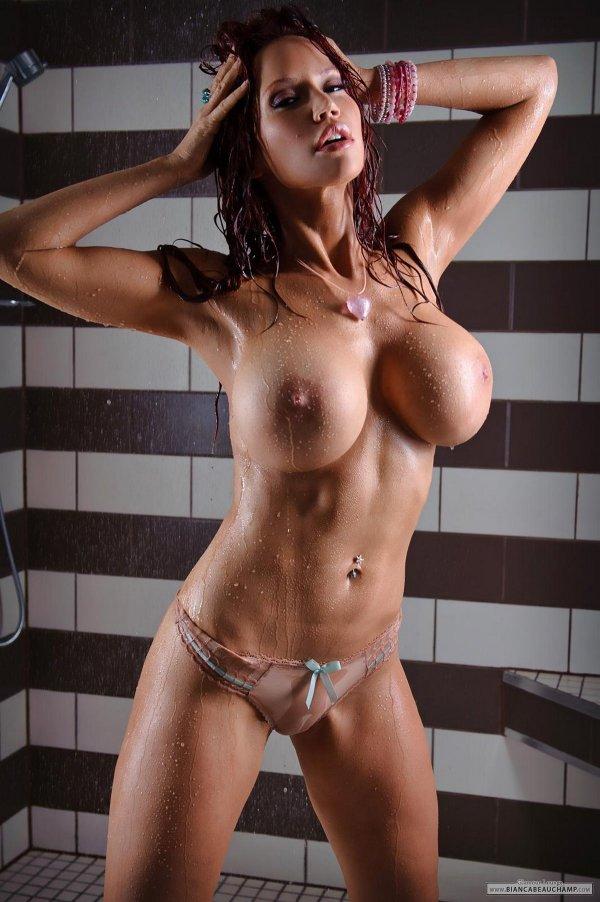 лесбиянки в мокрых трусиках