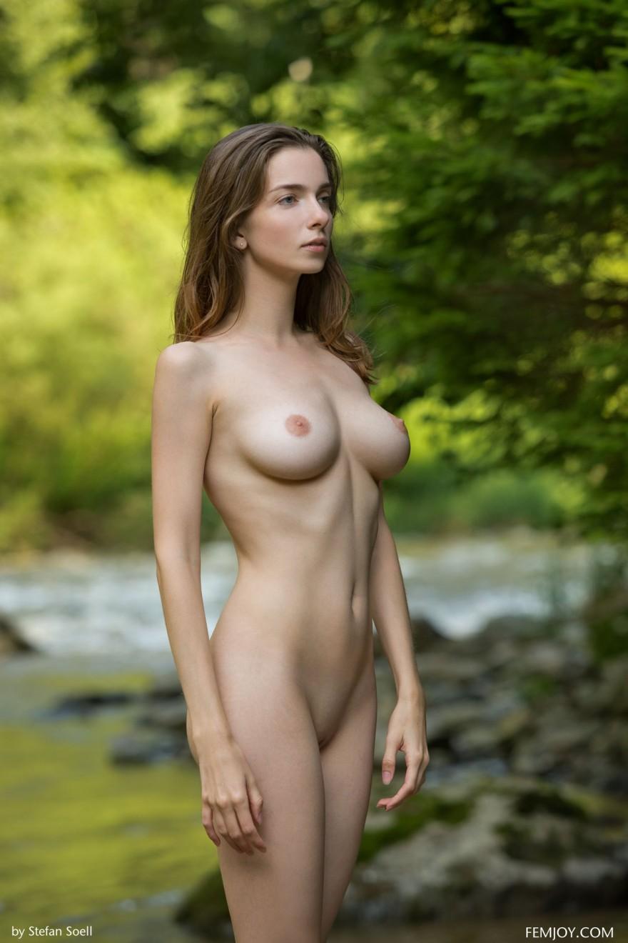 худенькие девочки с большими грудями