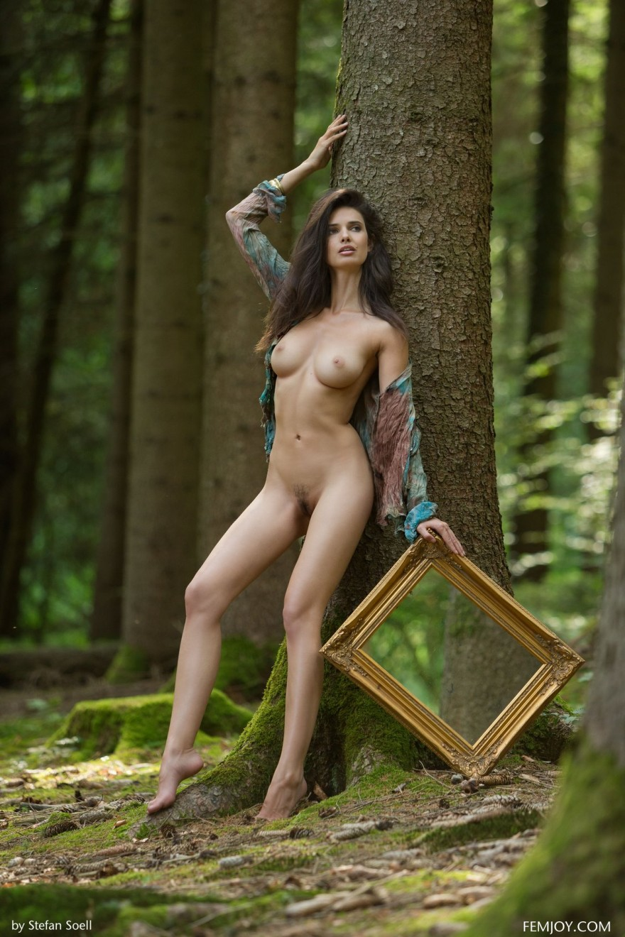 Чувственные секс-фото Jasmine на природе