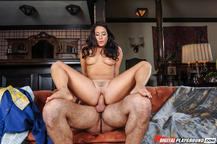 Секс фото похотливой зрелой брюнетки смотреть эротику