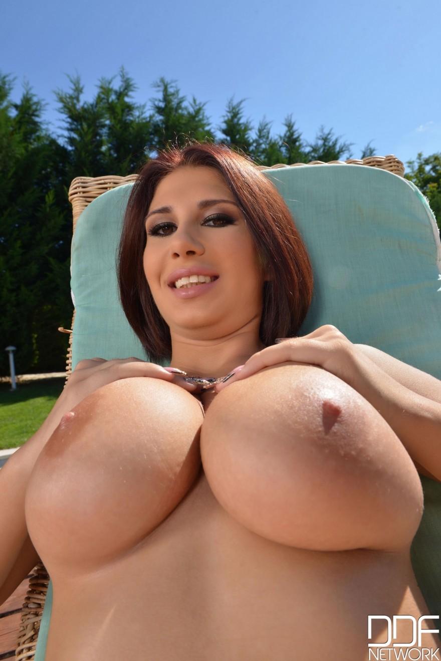 красивые женщины с большая грудью