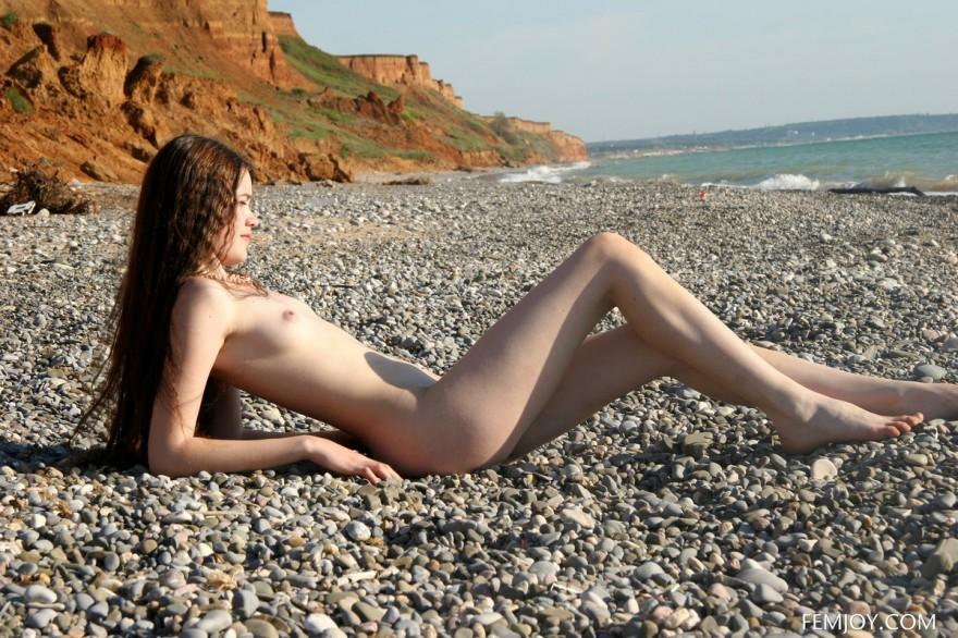 Секс фото тёлки с хорошими волосами на берегу моря секс фото
