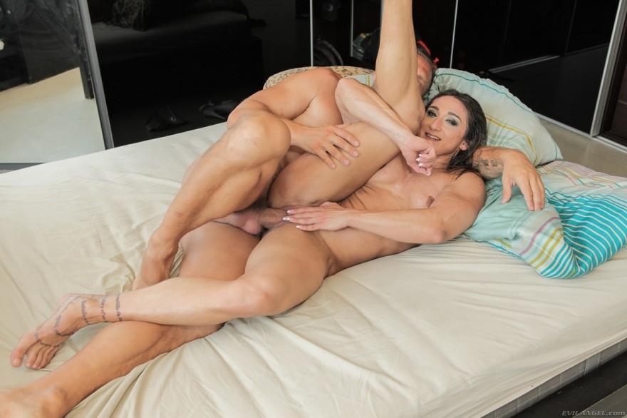 Секс с бодибиллершой фото 360-195