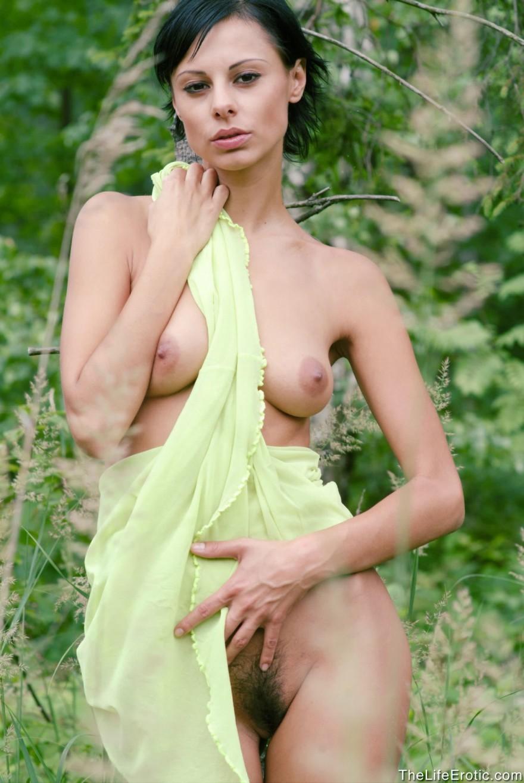 Небритый лобок голых девушек — photo 3