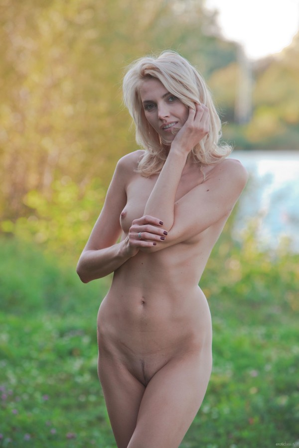 erotika-foto-devki-na-halyavu