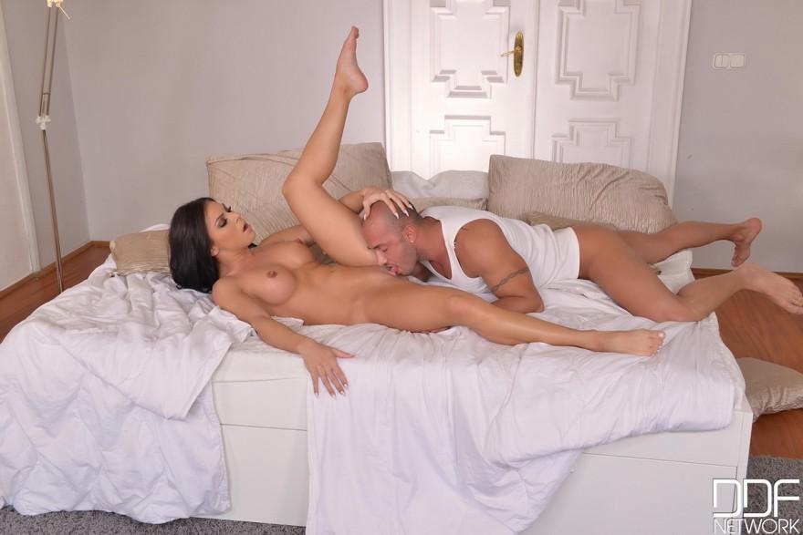 шутите? Эффективно? муж вылизывает сперму у жены это просто великолепная