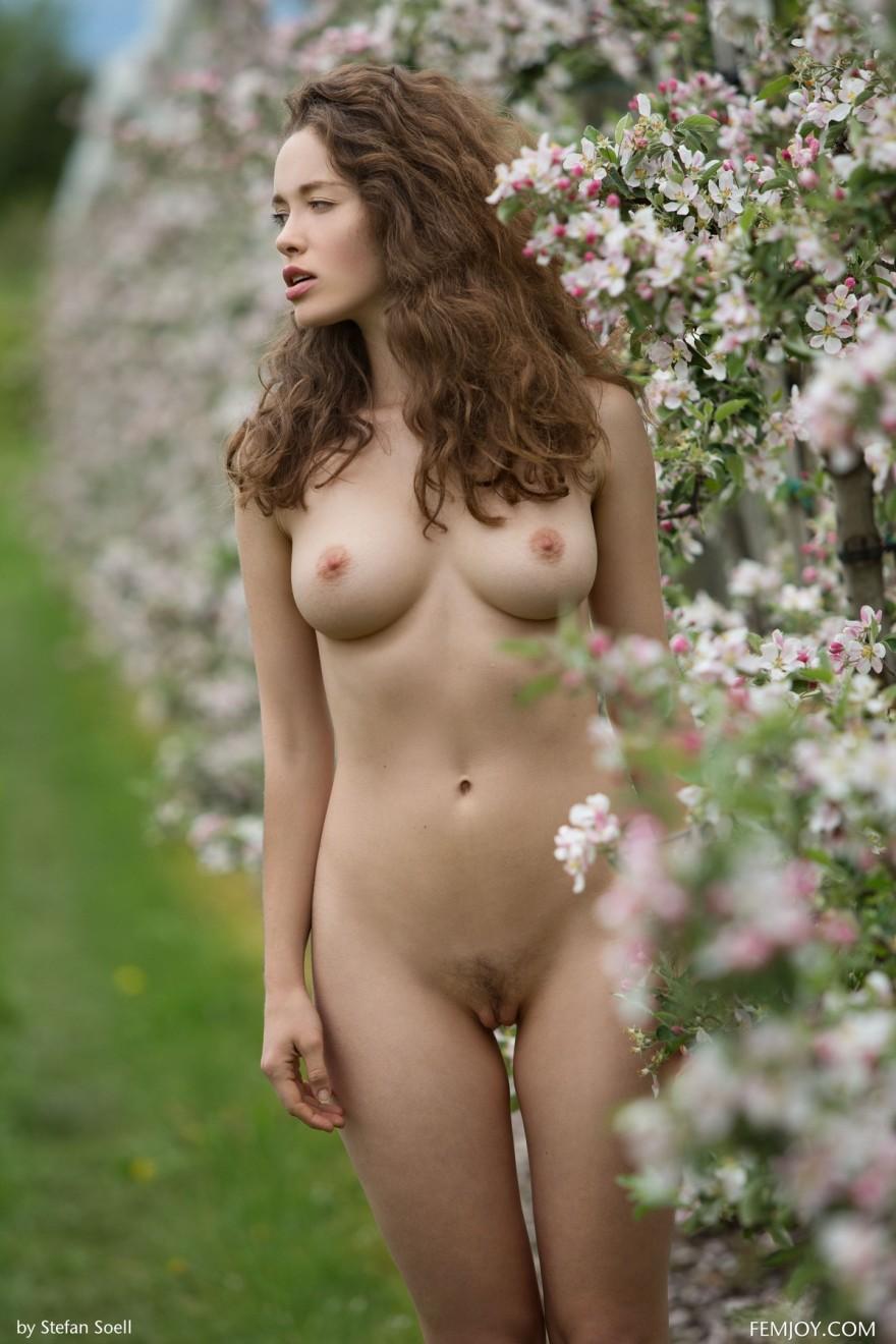 Ugirls silin beautiful naked chinese girls photos