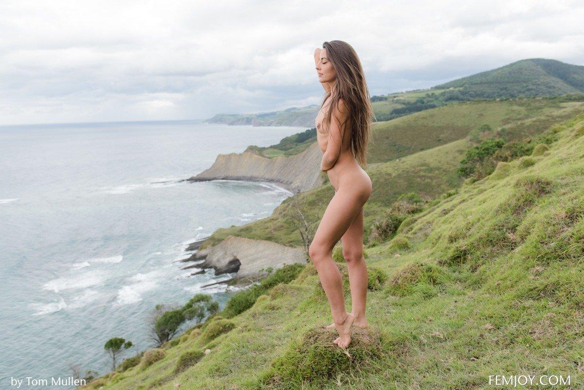 Лучшие фото милашки Lorena у моря
