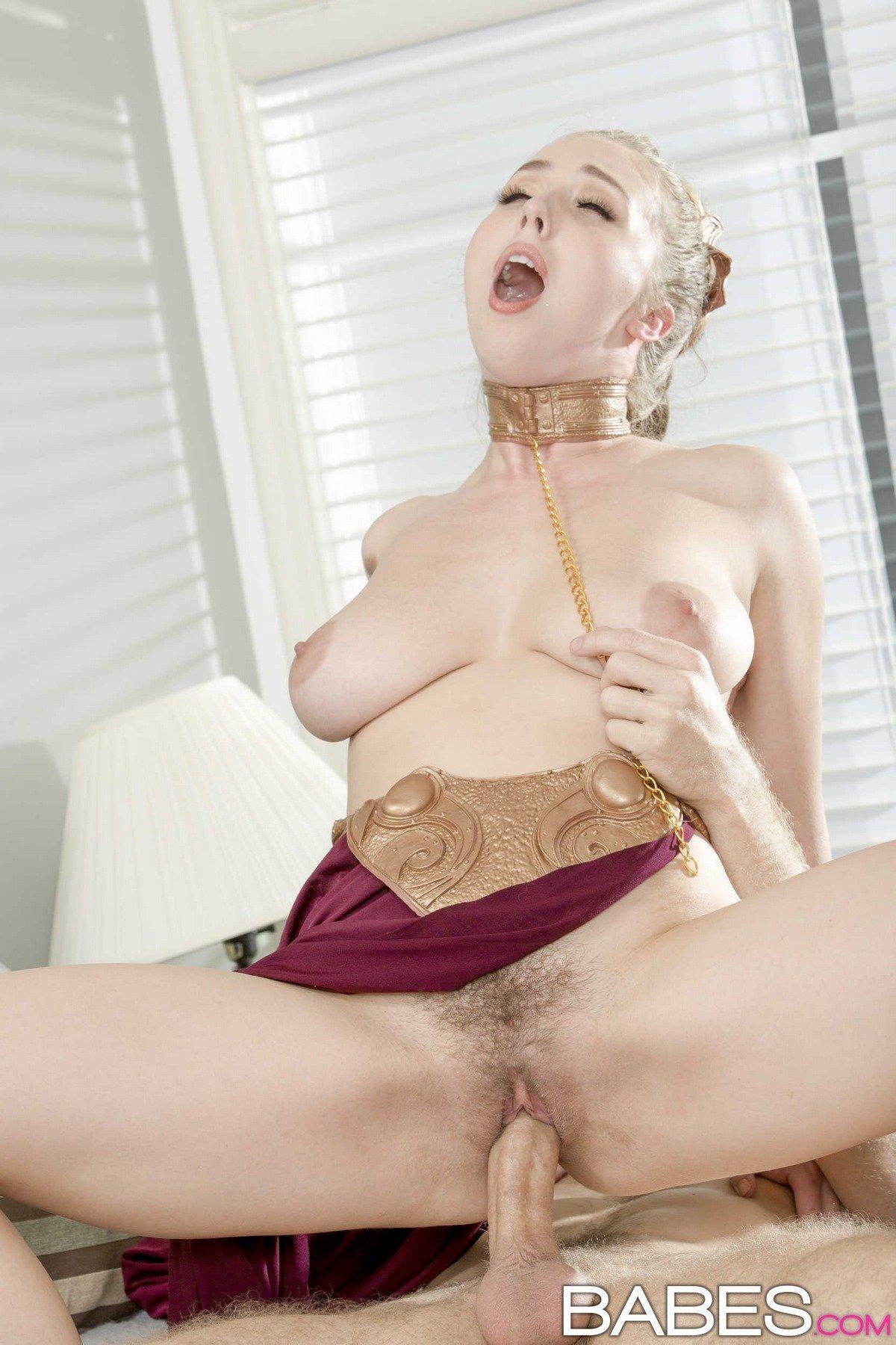 Красивые фото секса блондинки в соблазнительном наряде