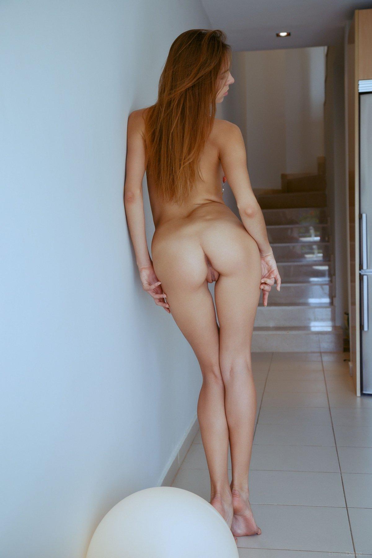 Рыженькая красоточка с хорошими волосами