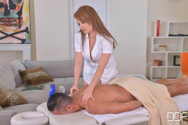 оргазмы женщин во время эротического моссажа