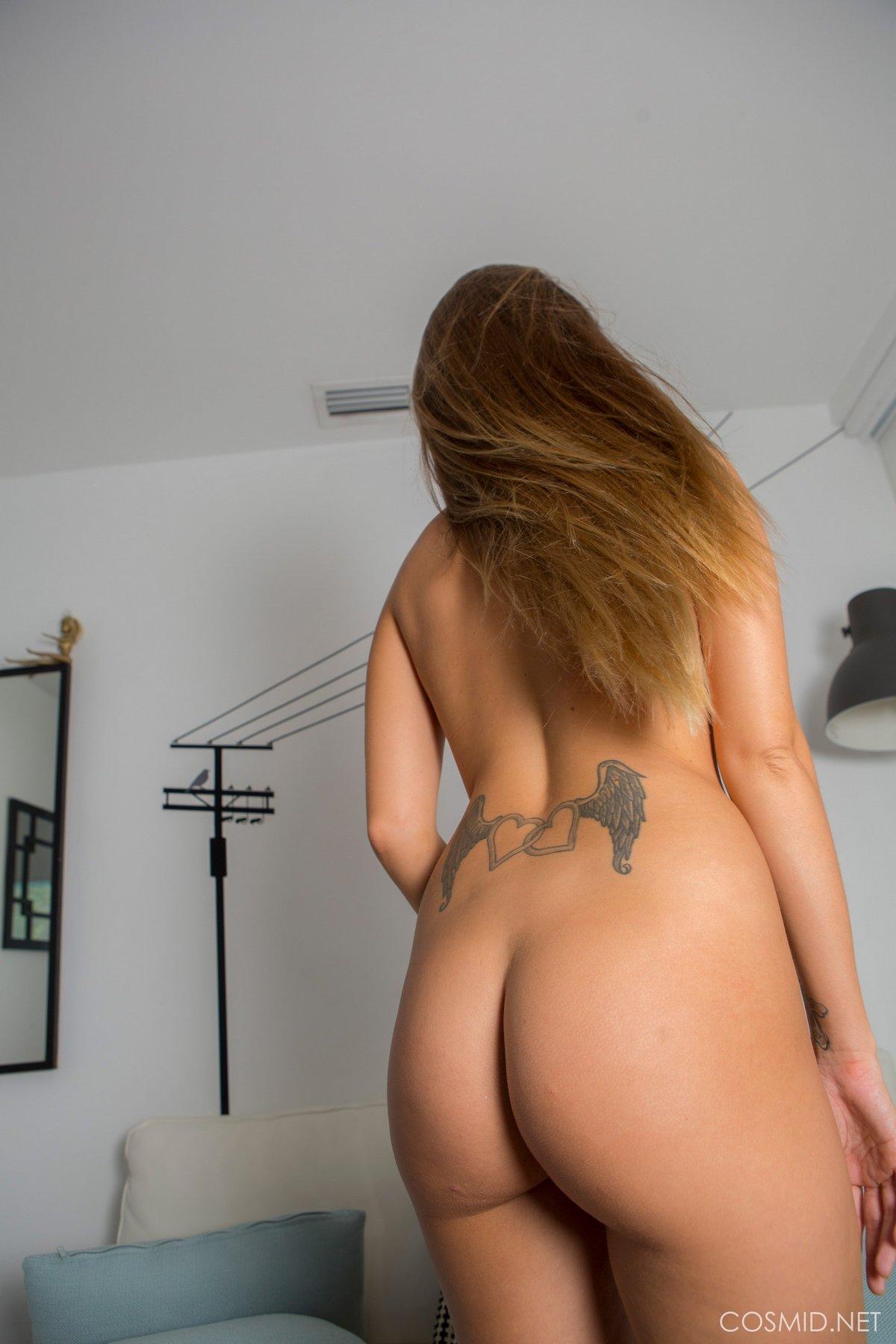 Молоденькая мамка с роскошной задницей секс фото