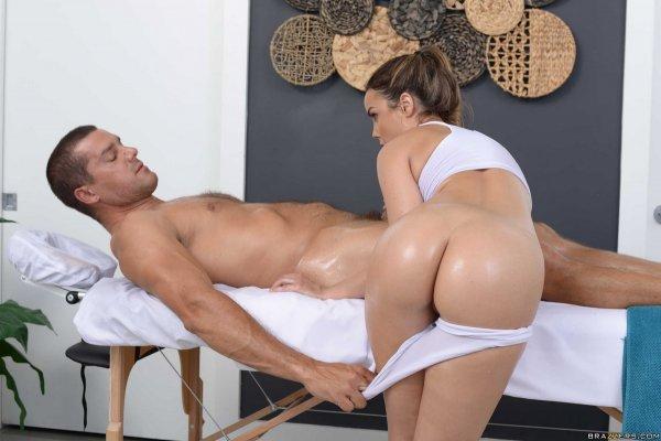 секс с красивых на массажном столе-ыж3