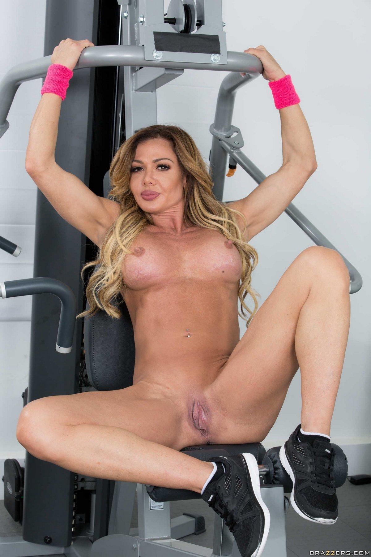 Секс развлечения в спортзале