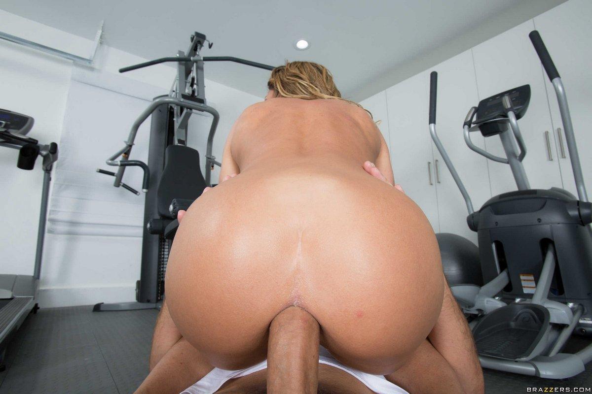Hard fitness anal смотреть онлайн