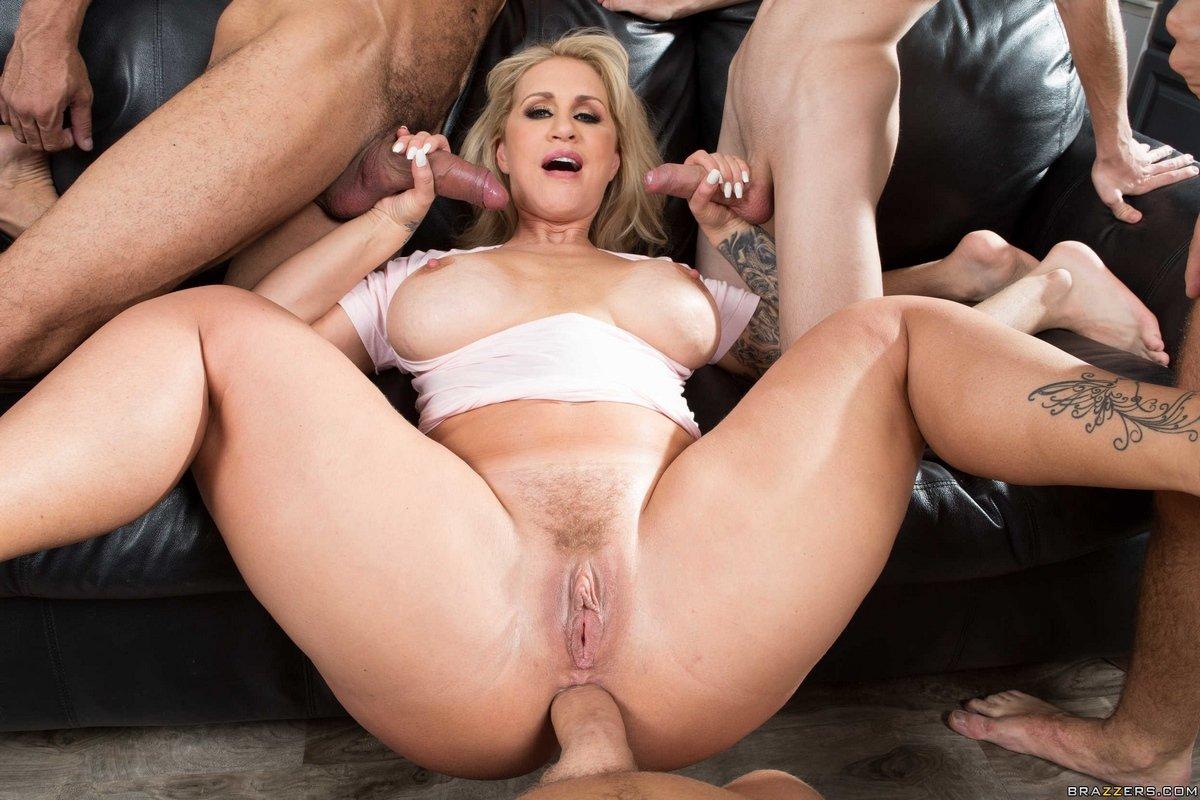 Porn big banged mom ass