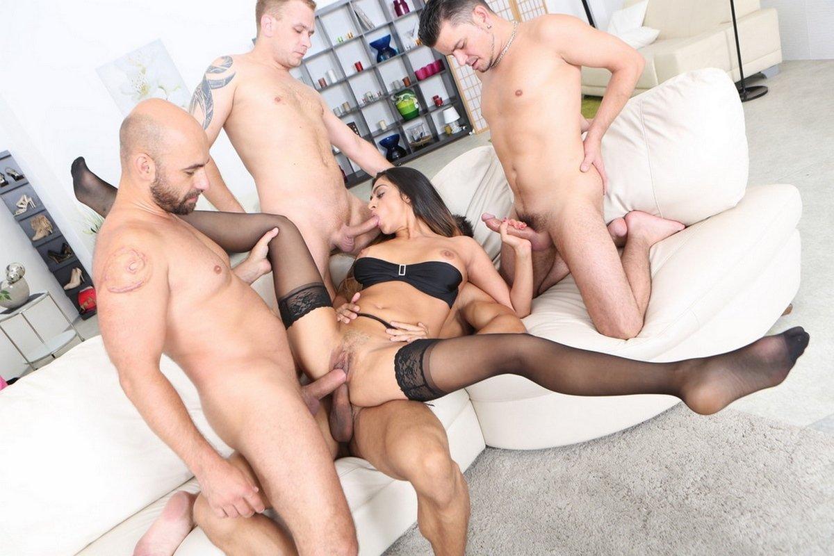 Секс с юными фото Порно секс с молодыми 18 летние первый