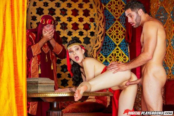 въздействаща, просто секс минет в фильме в гареме арабки может