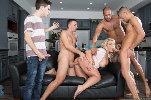 Puremature holly taylor