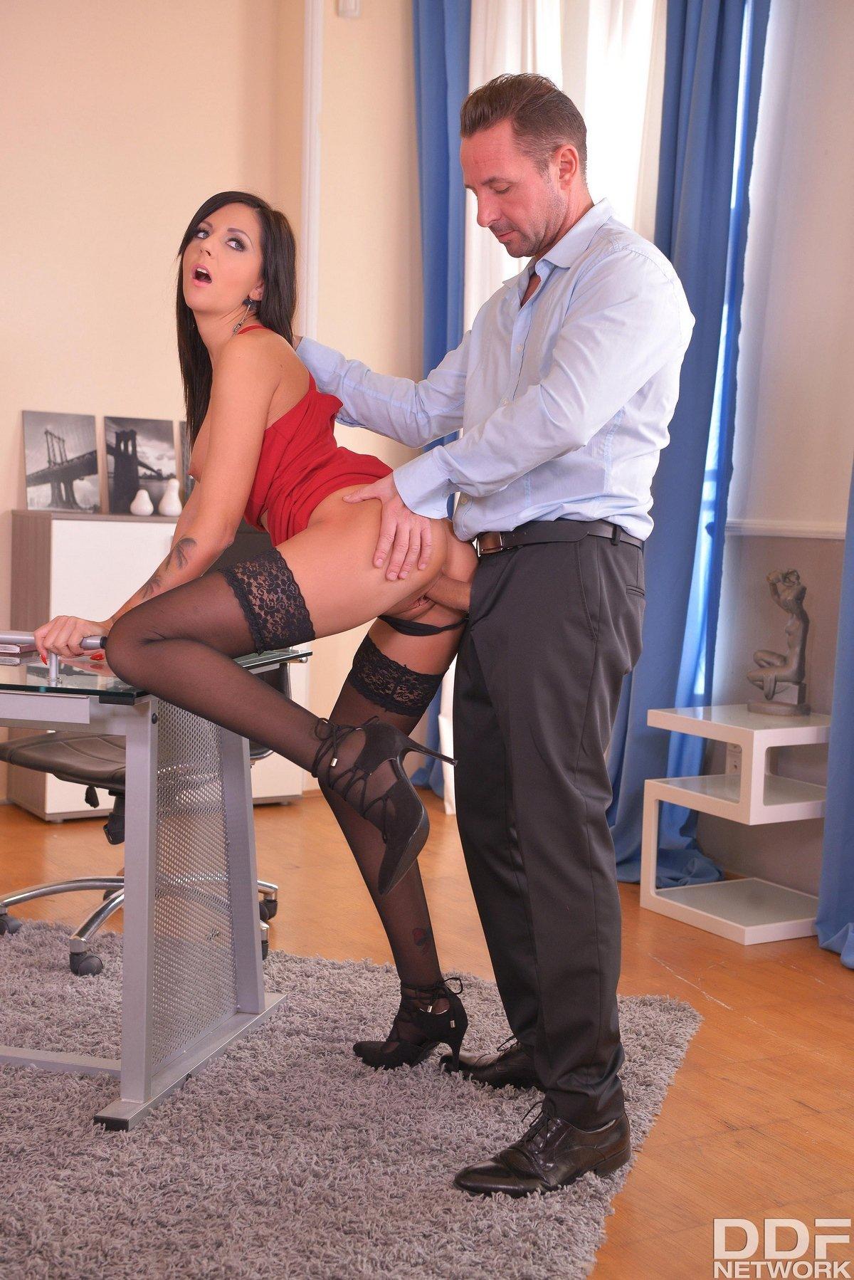 Болгария секретарши эротика — img 2