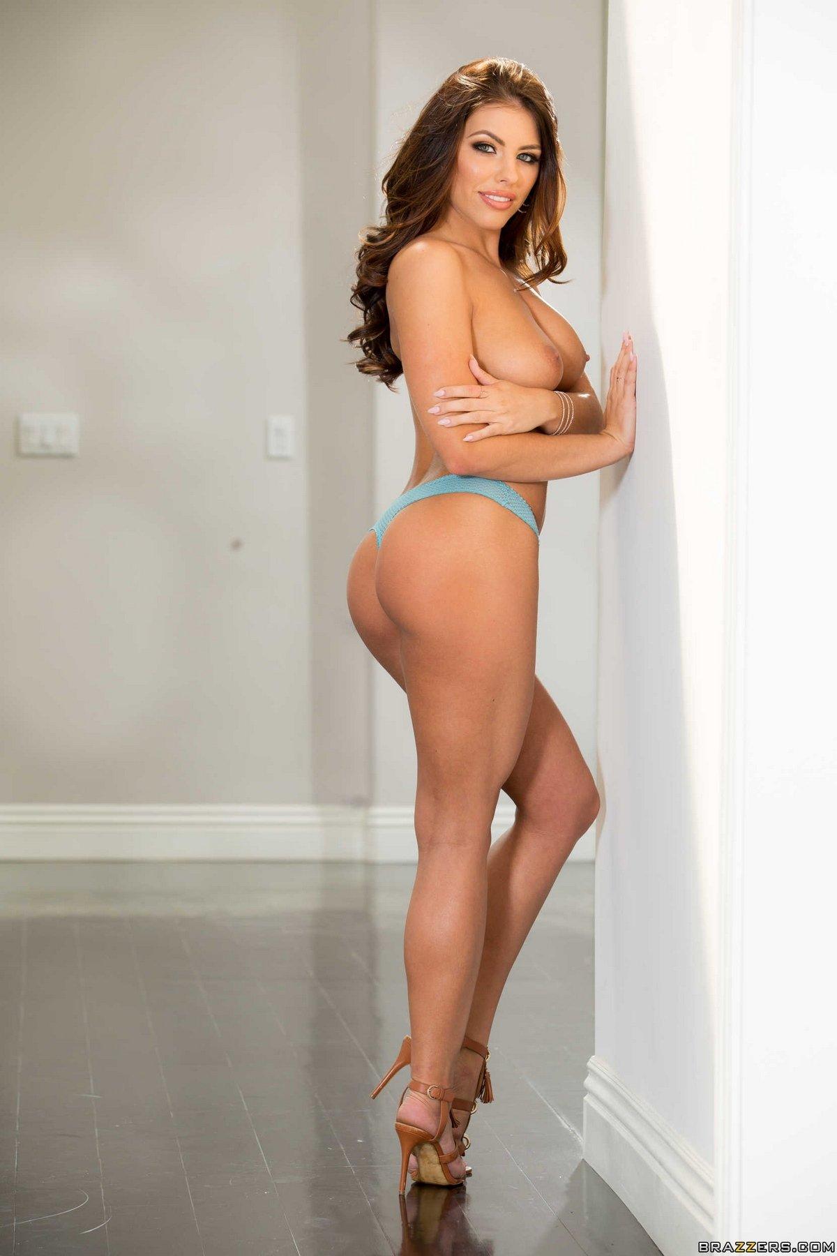 Шикарное голое тело красотки Adriana Chechik