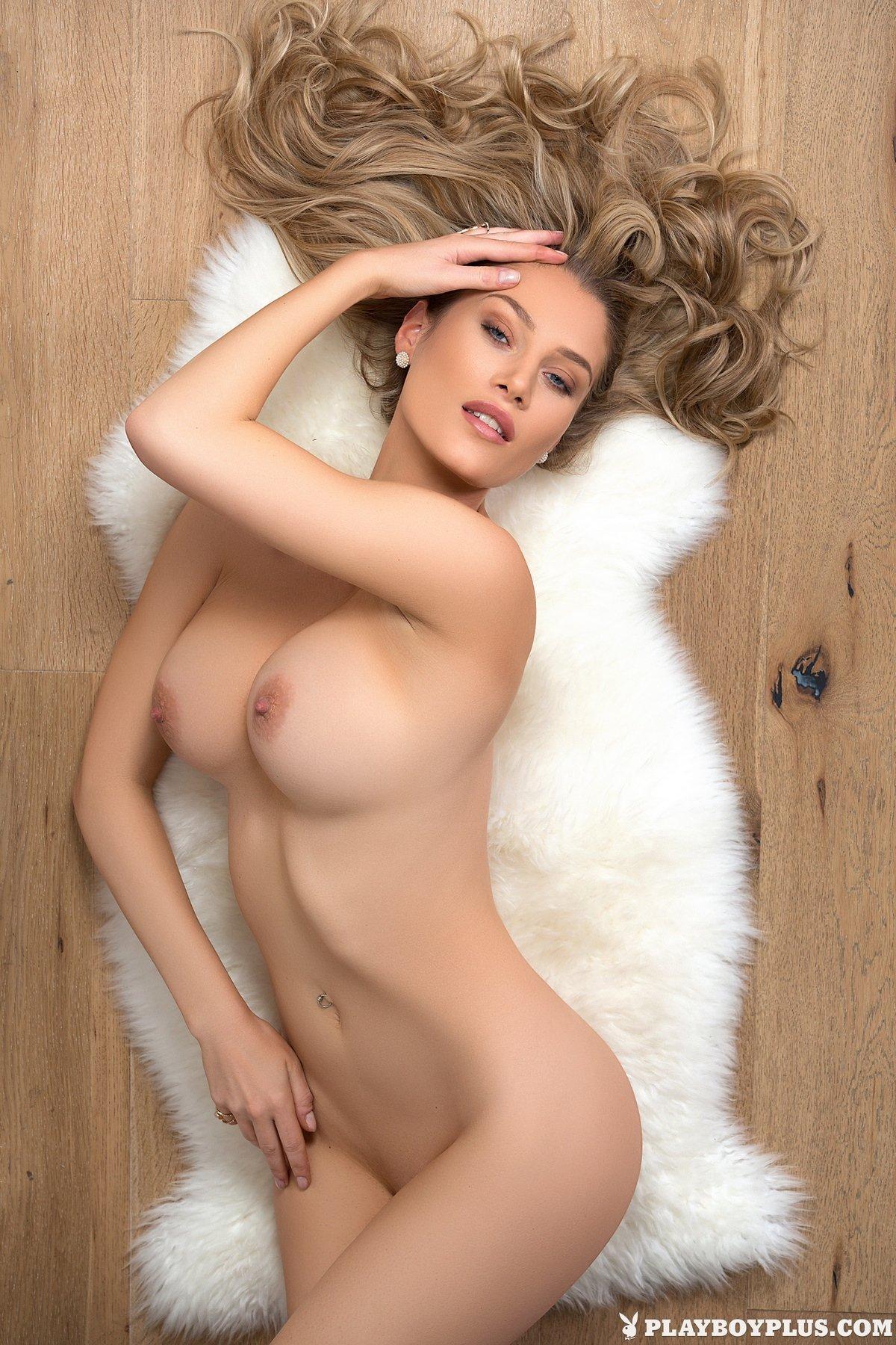 Шикарная блондинка Anna Opsal для журнала Playboy