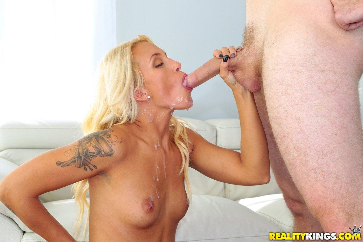 Оргазм сучки со свелыми волосами с маленьким бюстом секс фото