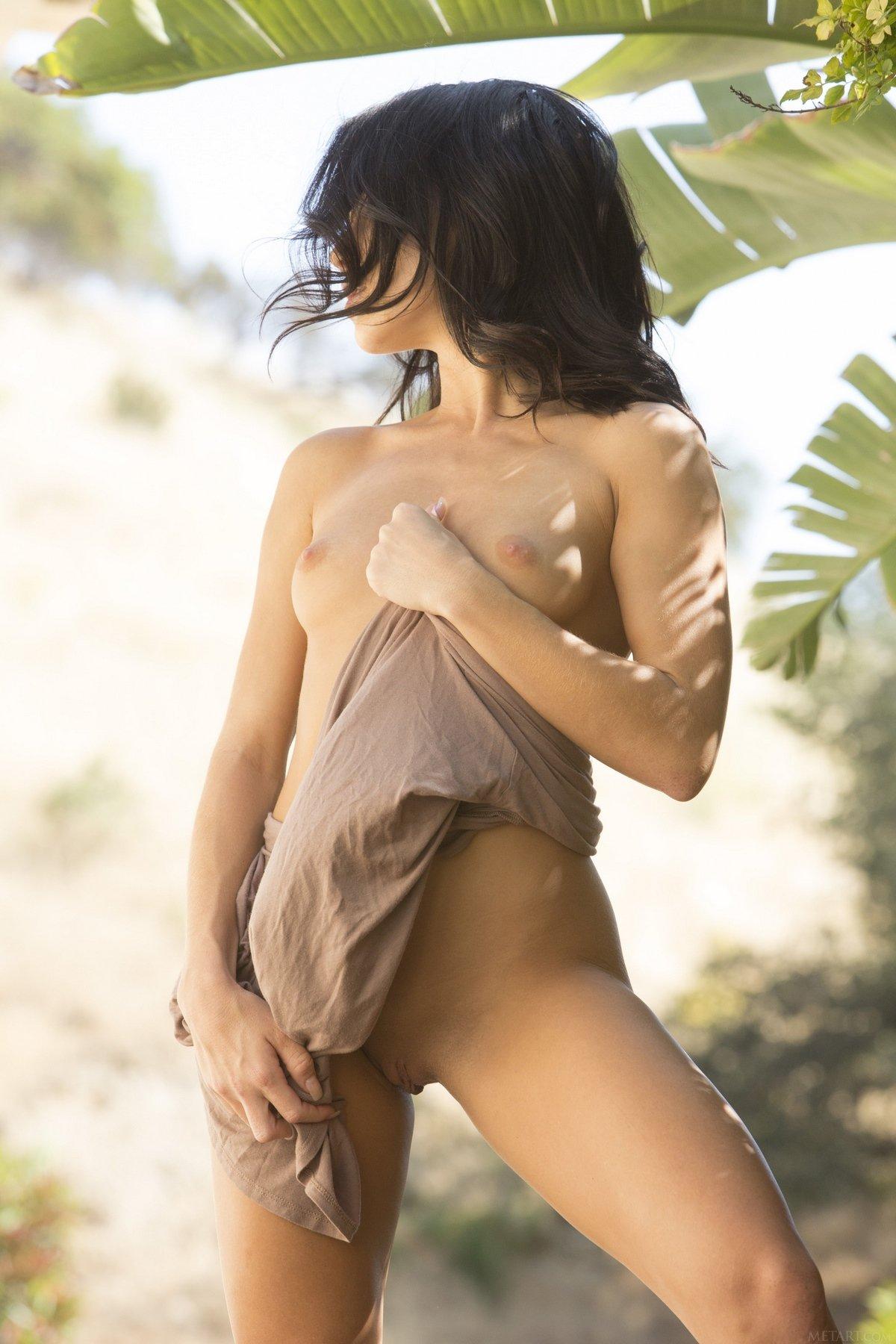 Эротичная порнуха чувственной шатенки Megan Rain