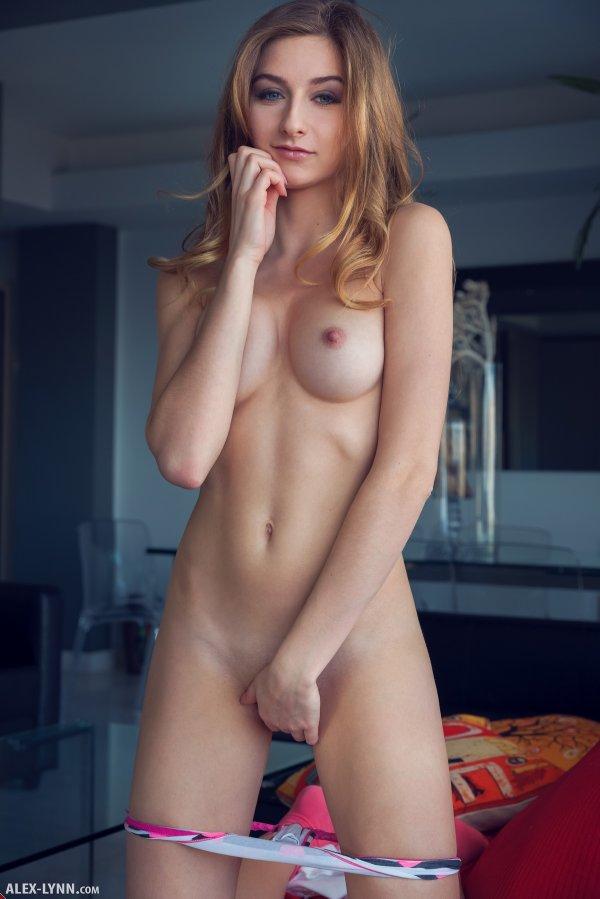 женщины голые фото