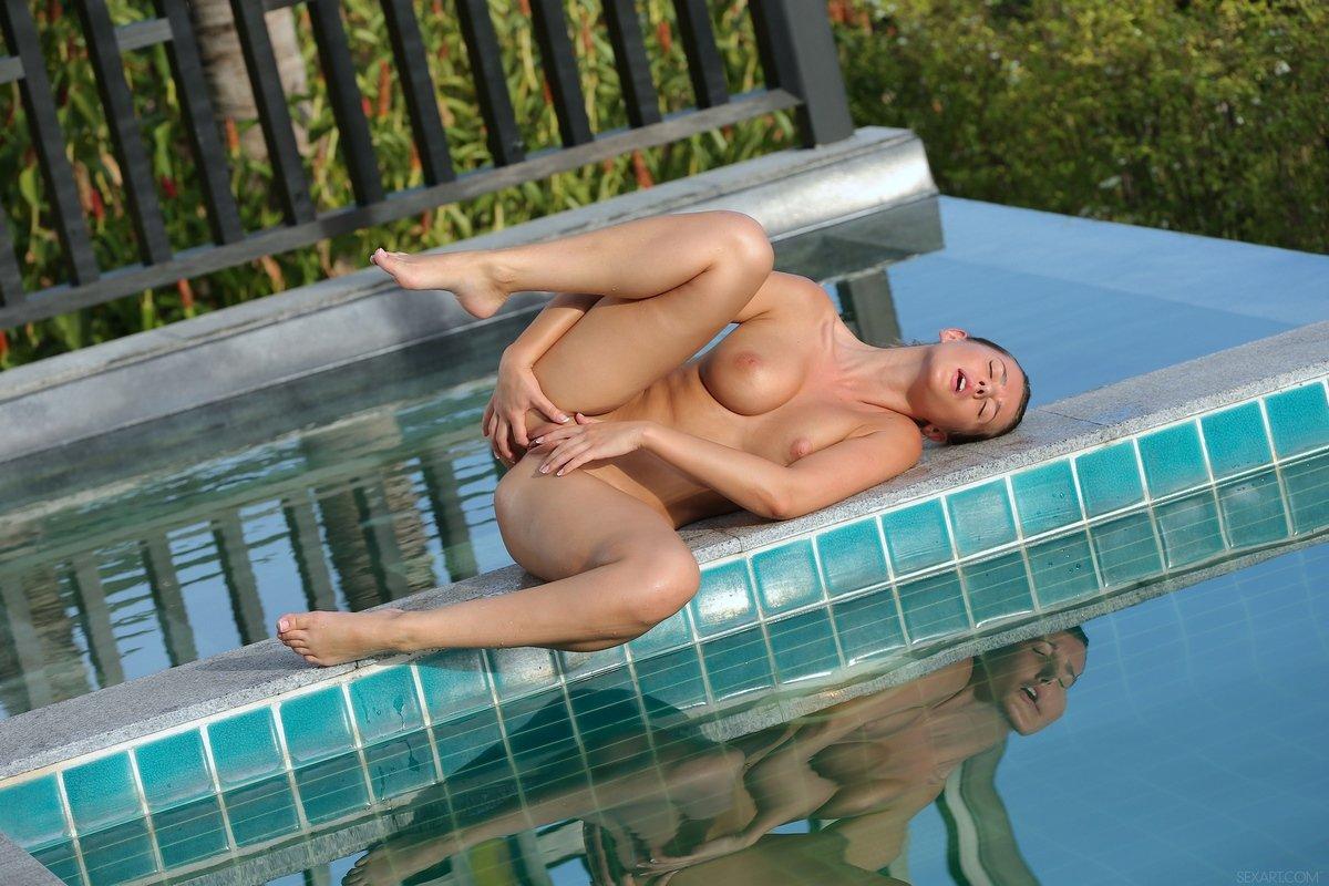 скачиваться, завтра секс в бассейне с моделями фото очень