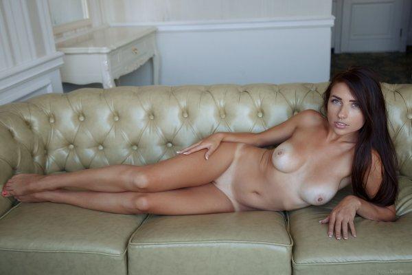 Милые соблазнительницы сиськи, голые статные женщины фото
