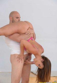 Секс  со гимнасткой во красивых позах