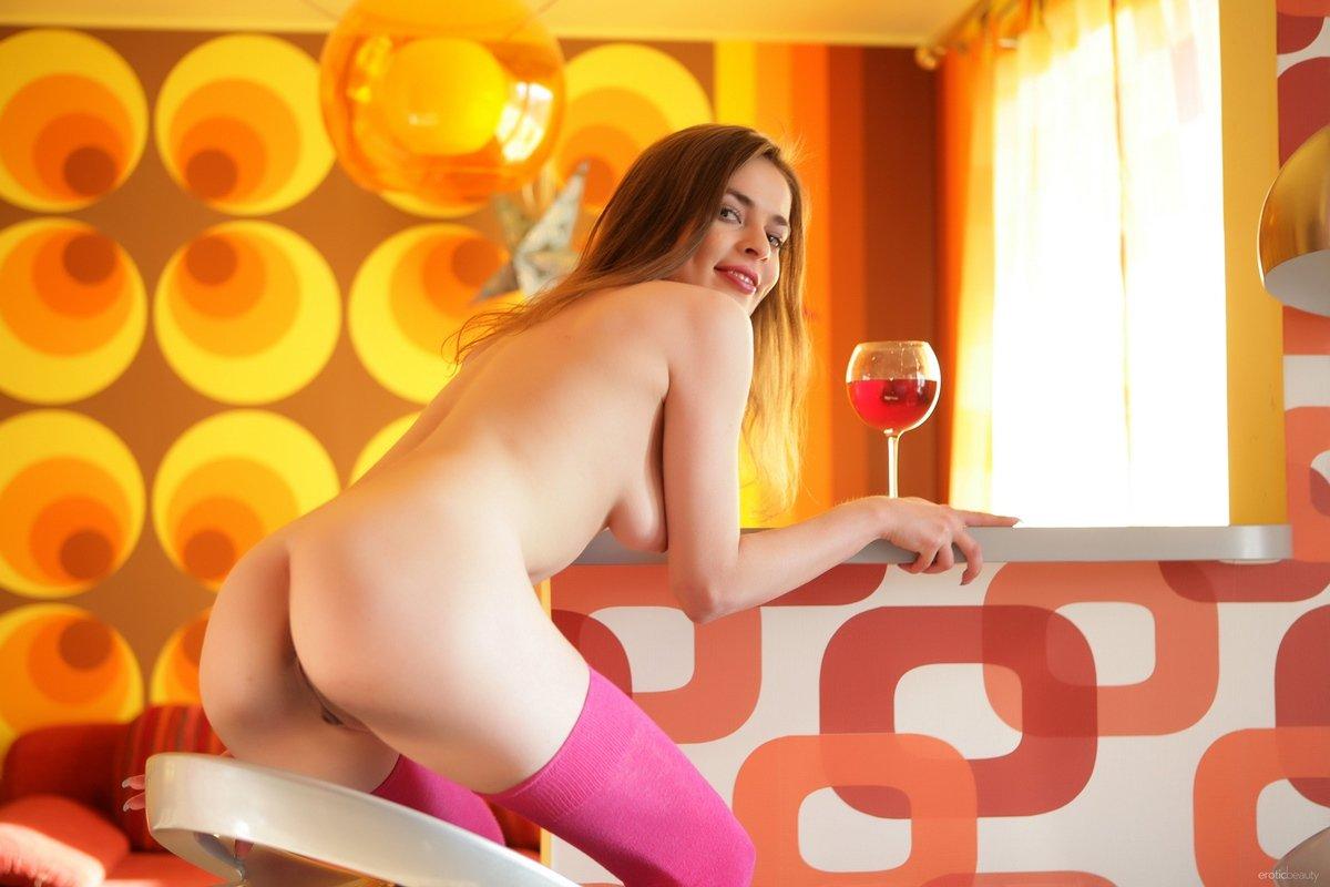 Девушка розовых секс картинки