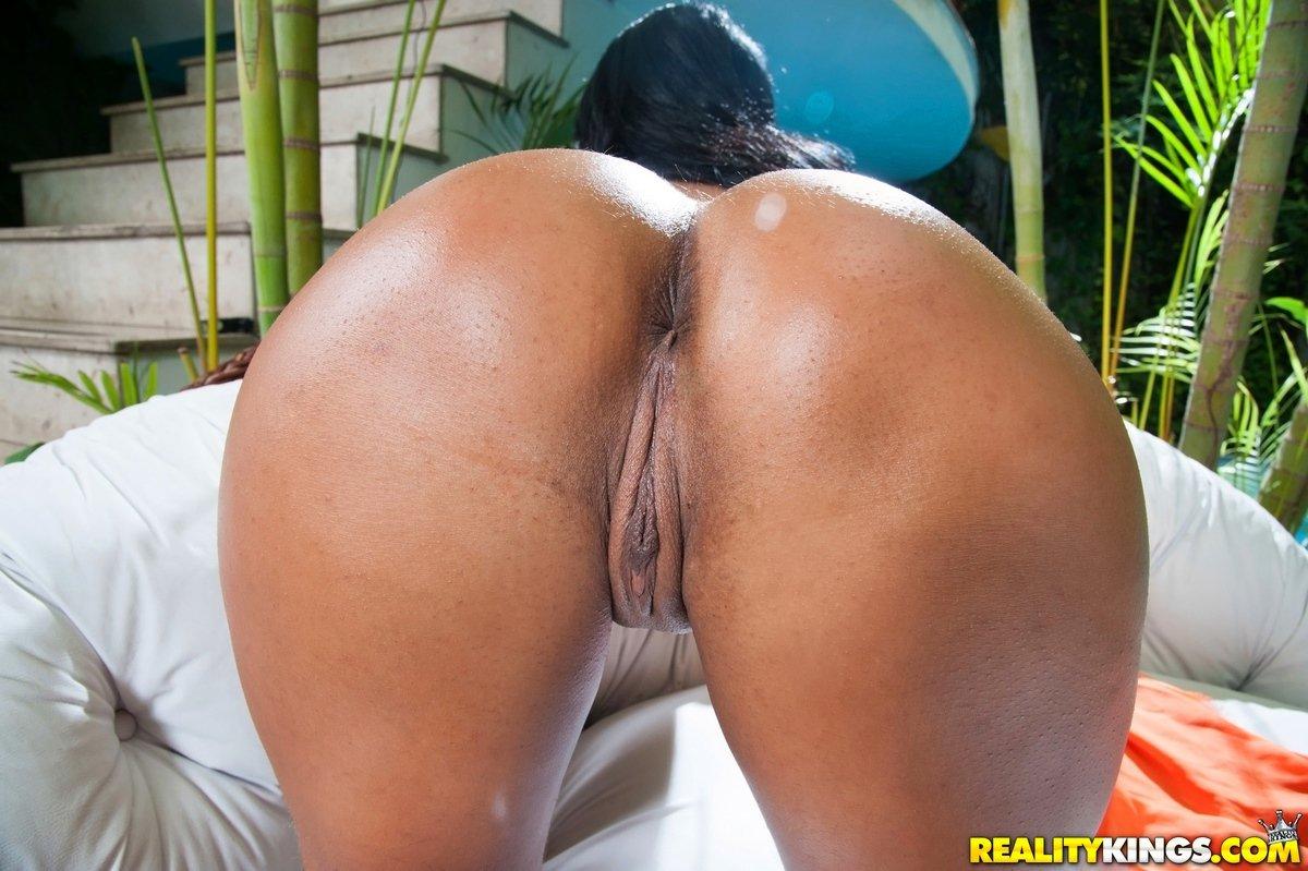 попами фото с порно большими бразильянки