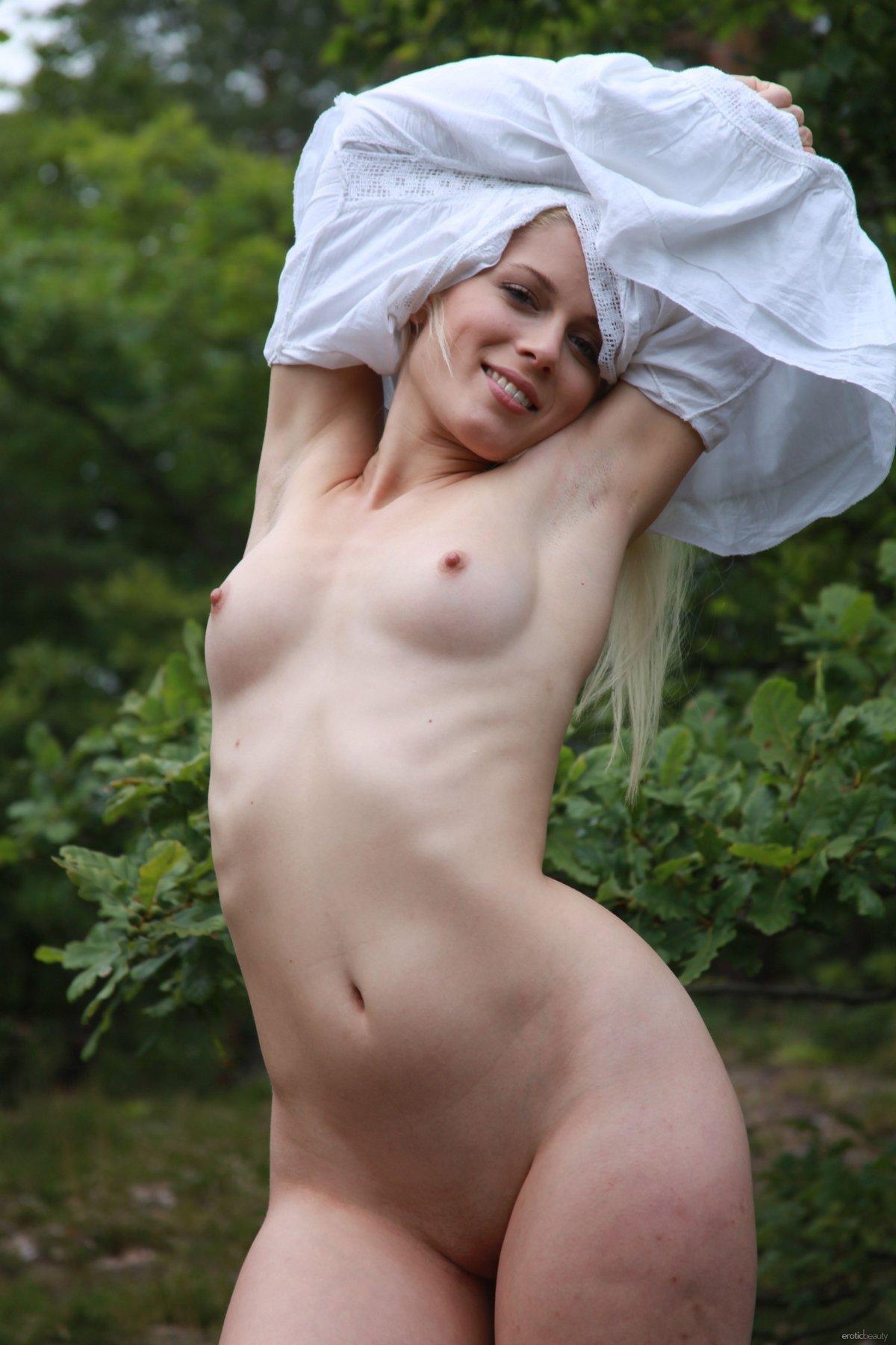 Голые русские девушки фото ню