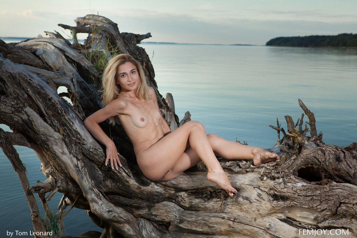 Милая Davina у моря