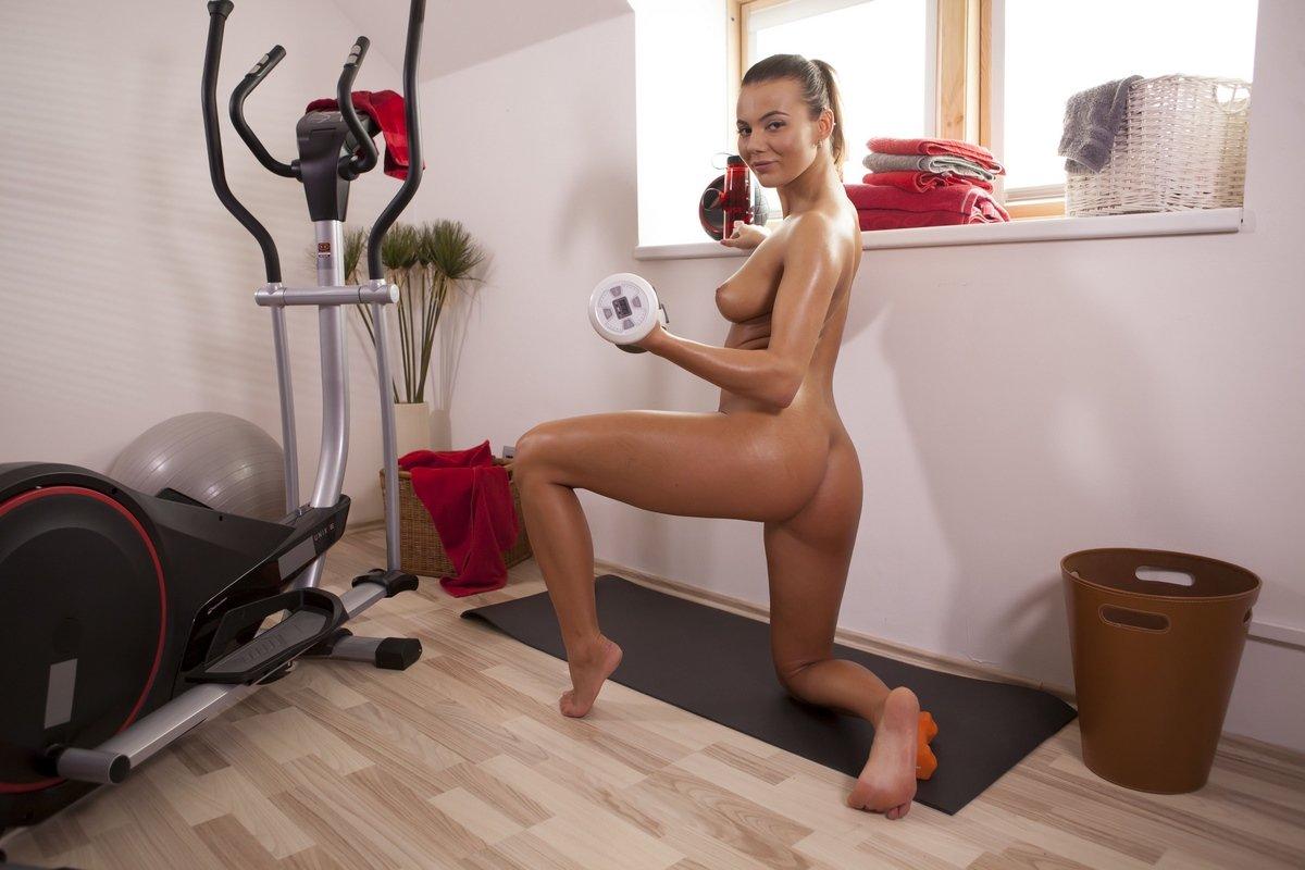 Русские спортсменки занимаются мастурбацией